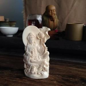 精工雕刻润白满纹猛犸象牙莲花观音摆件